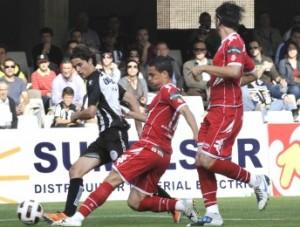 El árbitro y el conformismo condenan al Pucela. (Cartagena 1- Vall 1)